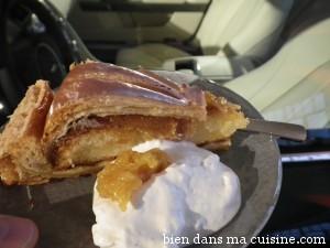 La crème fouettée n'est pas indispensable... :-) mais tellement gourmande !
