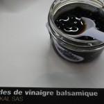 Quand on tombe sur une perle de vinaigre balsamique, dans la salade, waouh ! Joli comme du caviar mais drôlement moins cher :-)