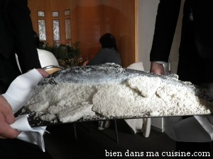 Saumon en croûte de sel