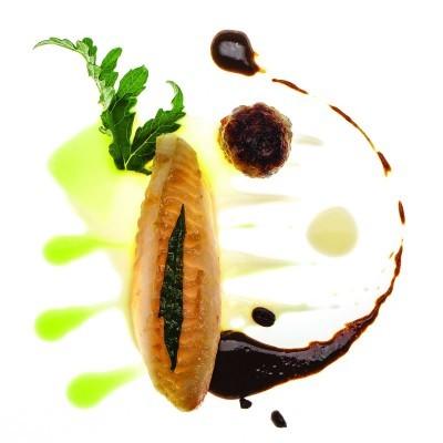 Nespresso - Saint-Pierre rôti sur peau, mojoté à la cardon, aumônière de pied de cochon - Edouard Loubet