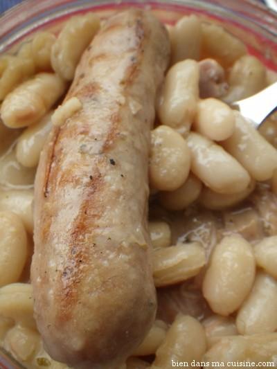 la saucisse est ok, un peu molle cependant. Et pour moi, les haricots sont un peu trop salés (comme dans tous les plats préparés, d'ailleurs).