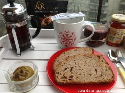 Café au lait, pomme cuite, tartines choco