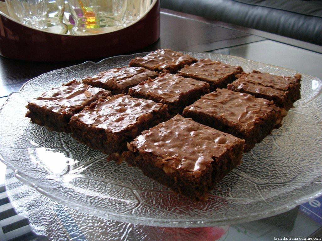 brownies aux noisettes bien dans ma cuisine. Black Bedroom Furniture Sets. Home Design Ideas