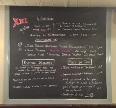 Le menu du XXL café (restaurant à Versailles).