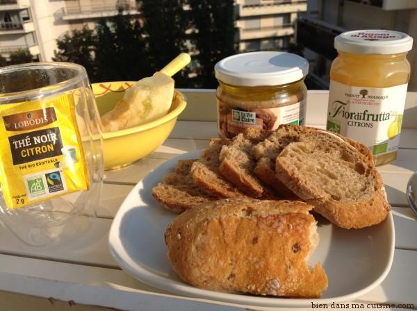 plateau de petit déjeuner yellow
