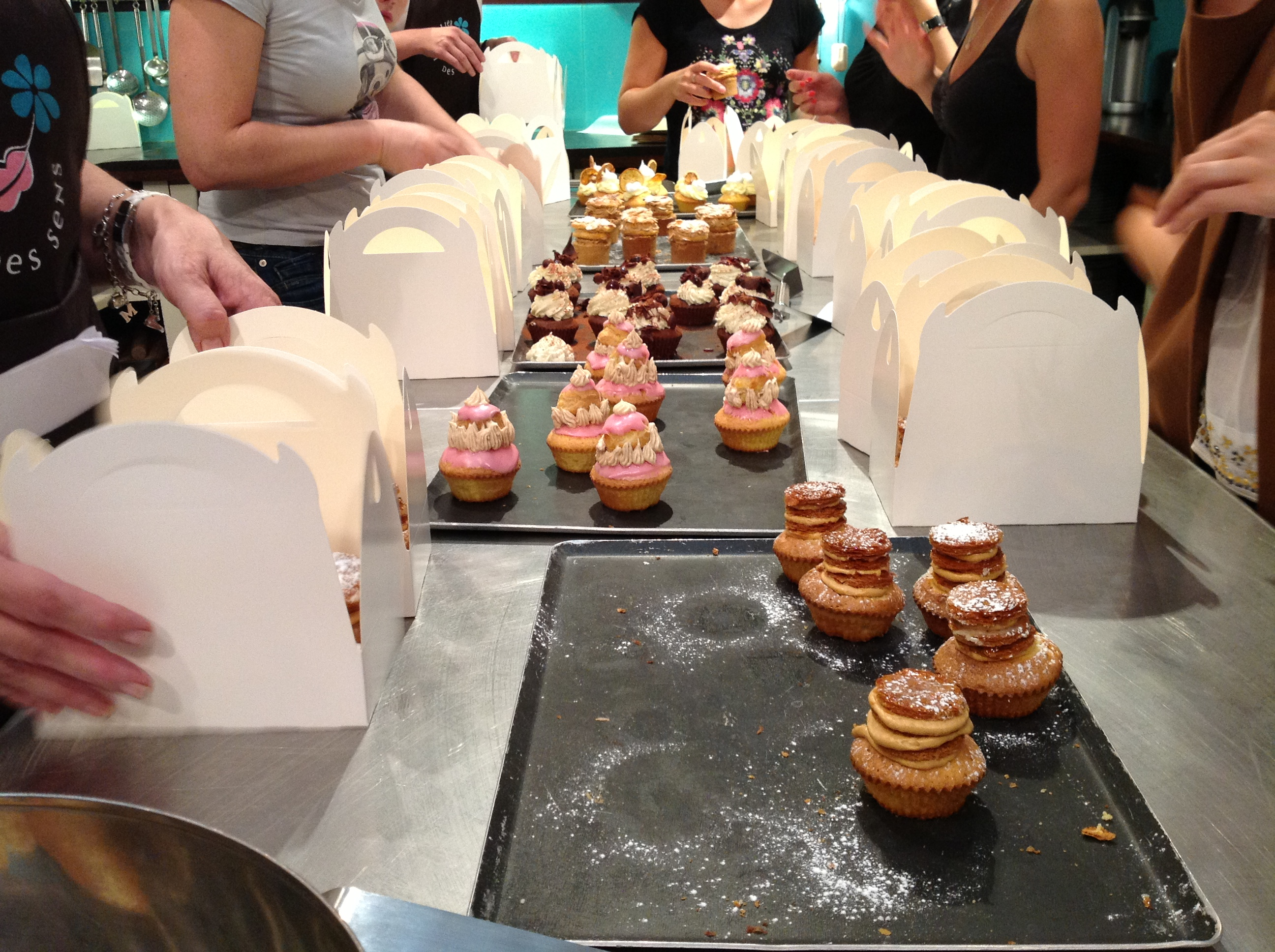 J apprends faire des french cupcakes haute couture en for J apprends a cuisiner