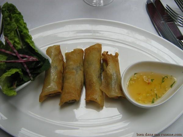 1 nems de sardine, sauce thaï, sucrine et menthe fraîche1