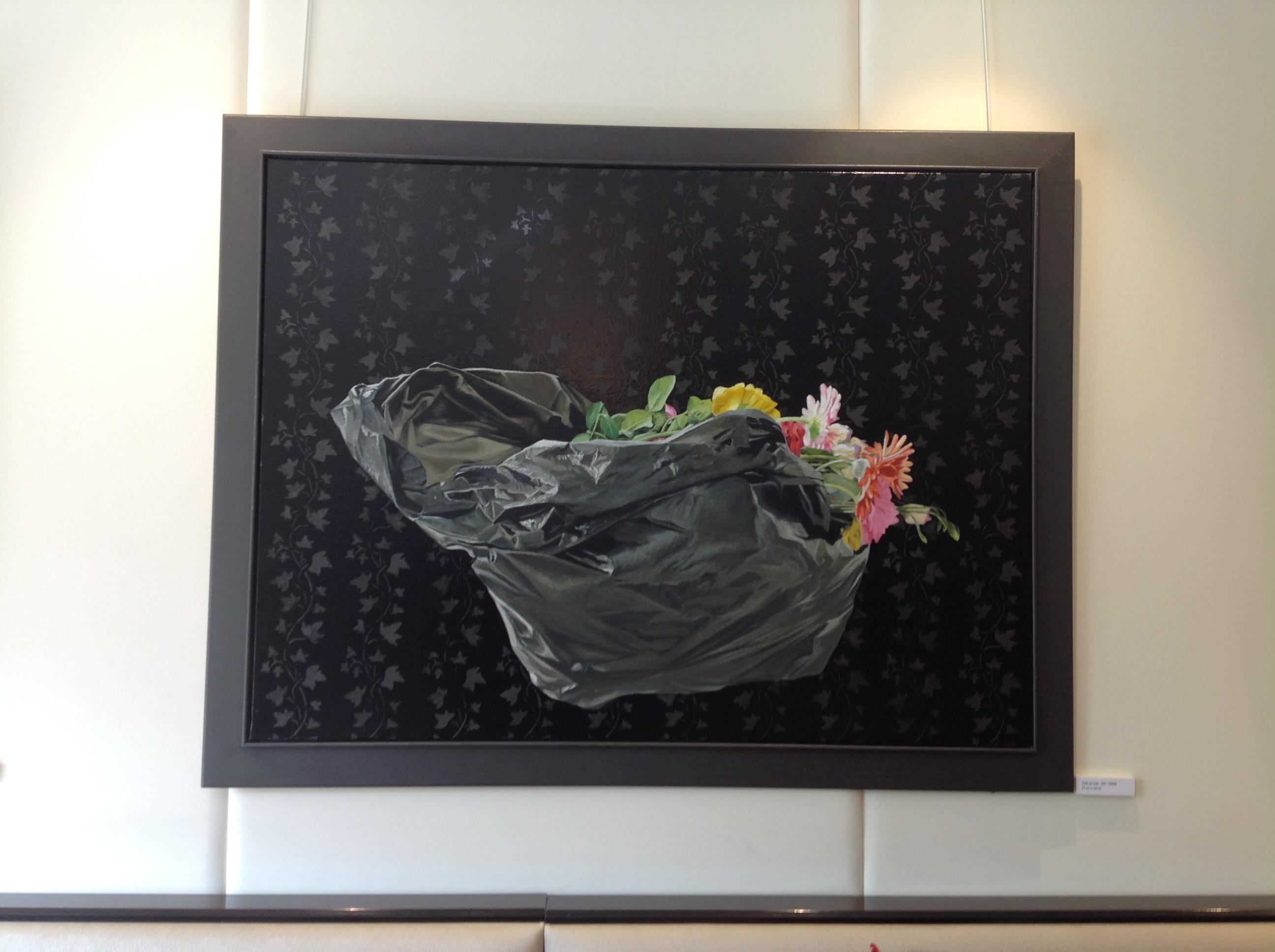 une surprenante et jolie expo sur le th me du sac poubelle bien dans ma cuisine. Black Bedroom Furniture Sets. Home Design Ideas