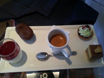 Café gourmand, avec sa mini panna cotta entre autres !