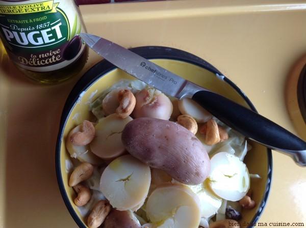 """Etape 2 : ajout du """"consistant"""" (pommes de terre) et du croquant (noix de cajou)."""