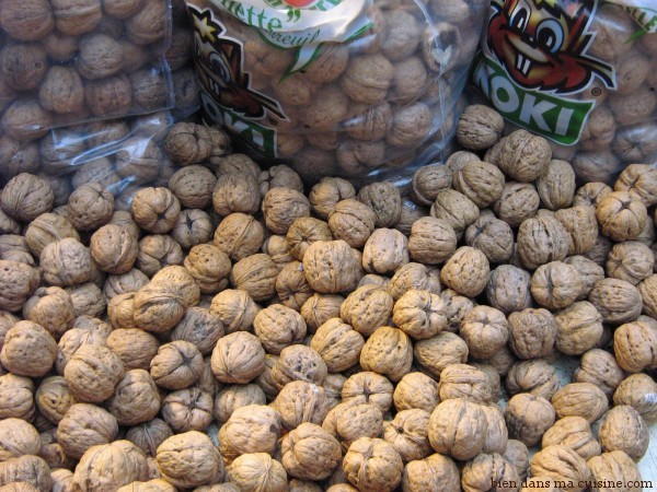 Les noix, c'est délicieux mais pas vraiment conseillé en cas d'aphte ! Supprimez les temporairement.