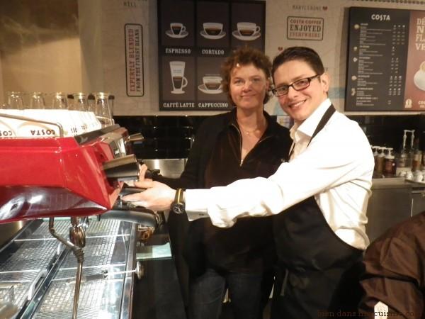 Bien dans ma cuisine en compagnie de Gennaro Pellicia, THE coffe taster pour Costa Coffee.
