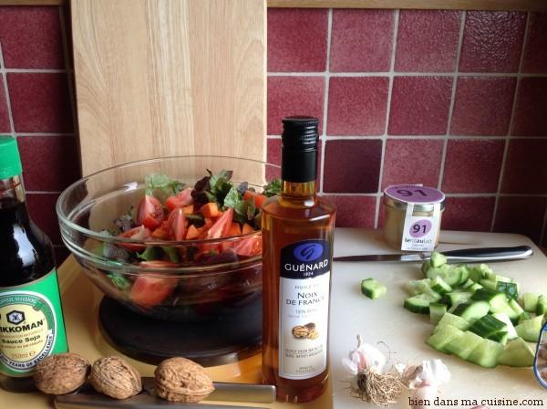 En plus d'être parfaitement réglementaire sur un plan acido-basique, cette salade est super anti-stress (une mine d'oméga 3 !) et idéale pour la flore intestinale (fibres et compagnie), sans parler des vitamines et minéraux.