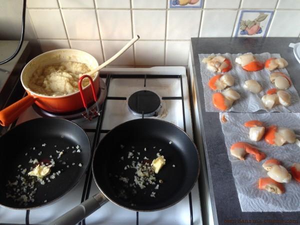ETAPE 4 - Une purée (ou tout autre accompagnement) mijote déjà, presque prêt à être mangé.