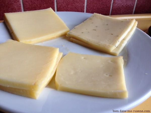 1) Prenez du fromage à raclette.