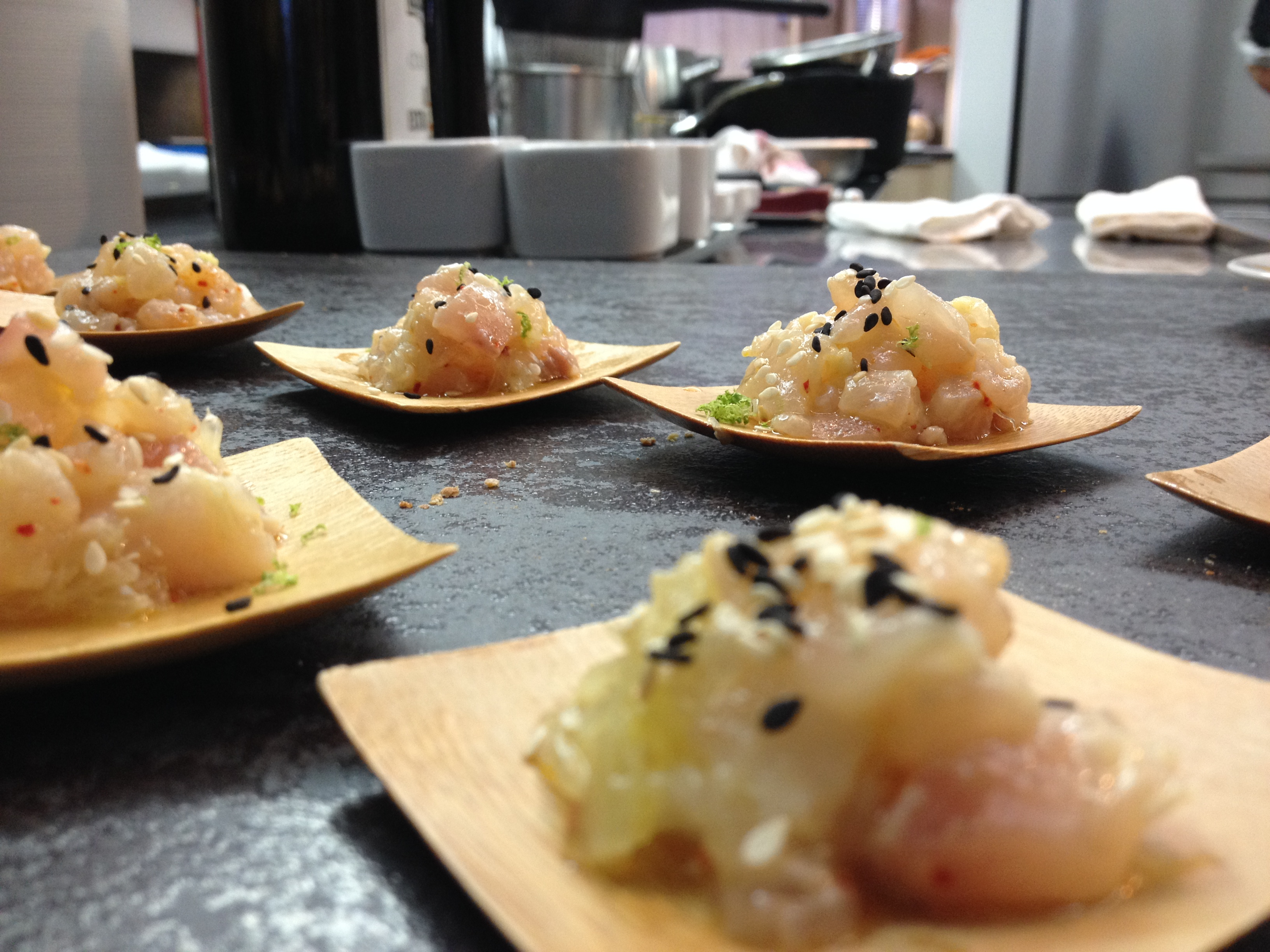 La recette du tartare de bonite par l cole de cuisine for Alain ducasse ecole de cuisine